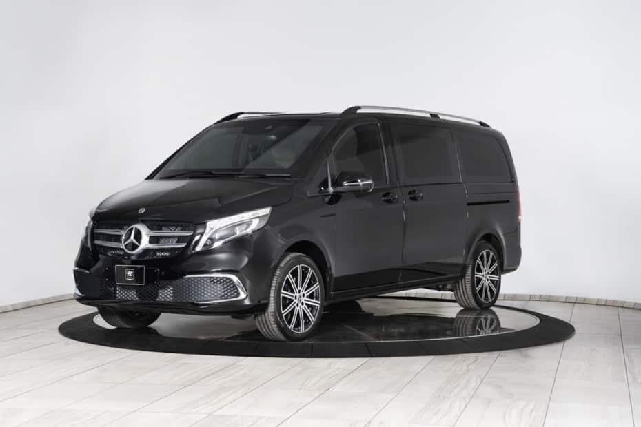 Este Mercedes-Benz Clase V con blindaje B6 es una habitación del pánico plagada de lujos