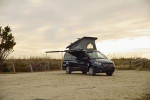 El Mercedes-Benz Vito se convierte en una camper de fábrica, aunque no lo verás por aquí