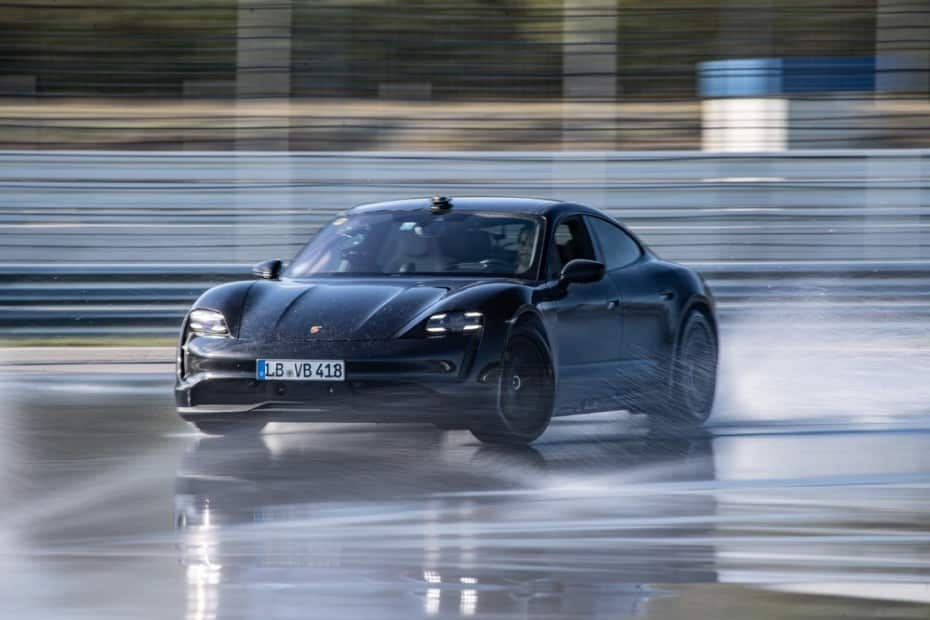 El Porsche Taycan entra en el Libro Guinness de los Récords por algo que igual no esperabas