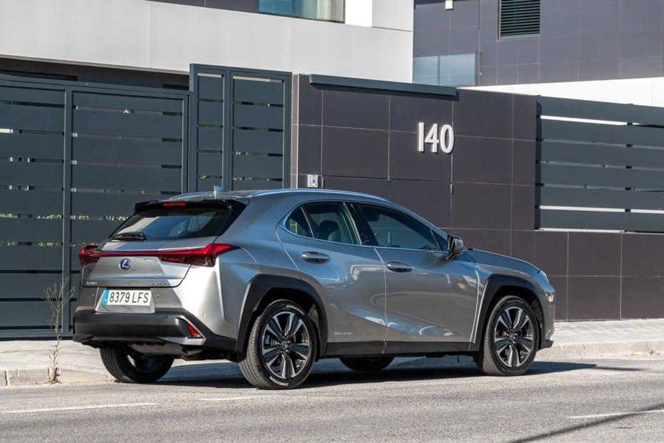 El Lexus UX llega con una nueva oferta y puedes probarlo gratis sin compromiso