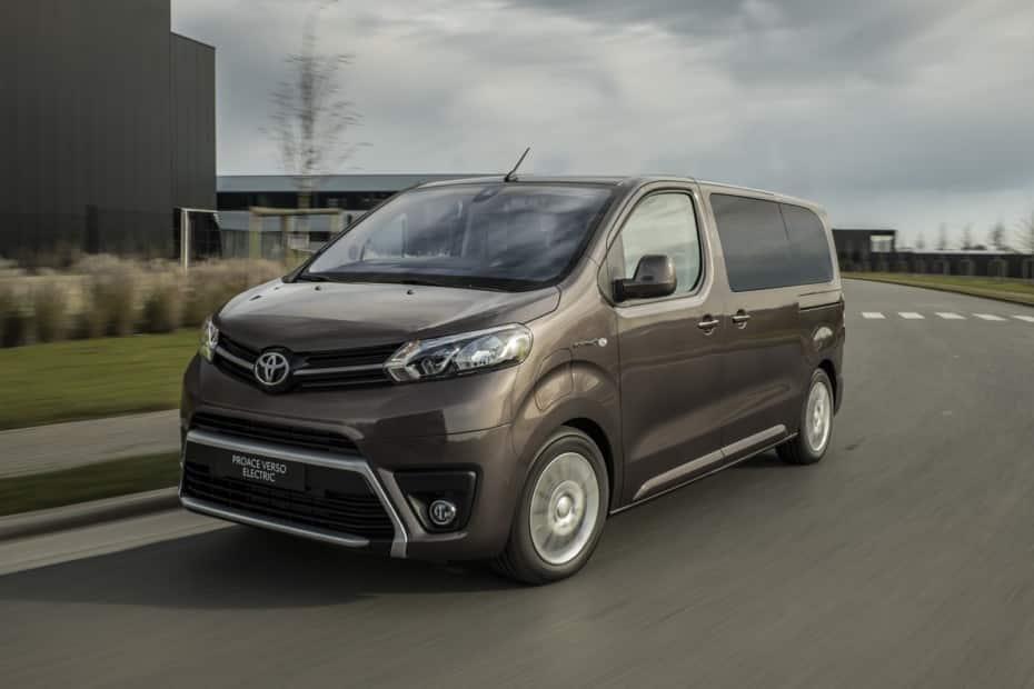 Toyota anuncia la llegada del PROACE Verso Electric: 2 baterías, tres longitudes y cuatro acabados