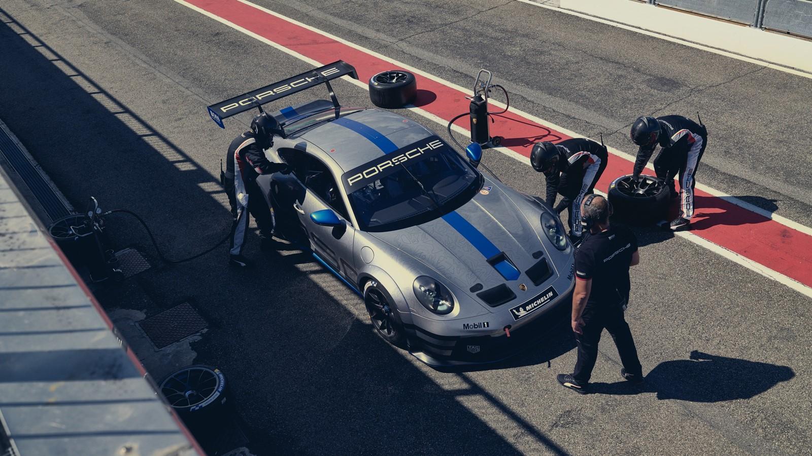 A Porsche está testando combustível sintético em alguns veículos