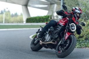 Tu moto te puede estropear el iPhone con esta práctica tan frecuente