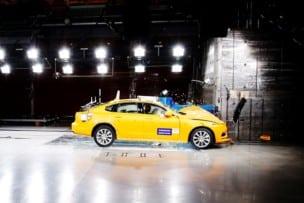 El Volvo Cars Safety Center cumple 20 años: chocando coches todos los días por nuestra seguridad