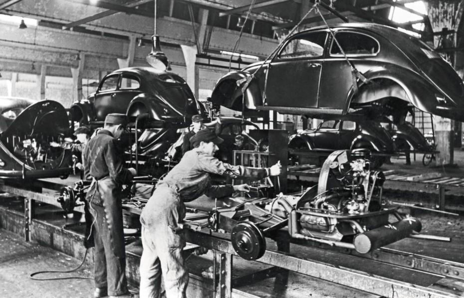 Tal día como hoy, hace 75 años, arrancaba la producción del Beetle: 21.529.464 de unidades fabricadas hasta 2003
