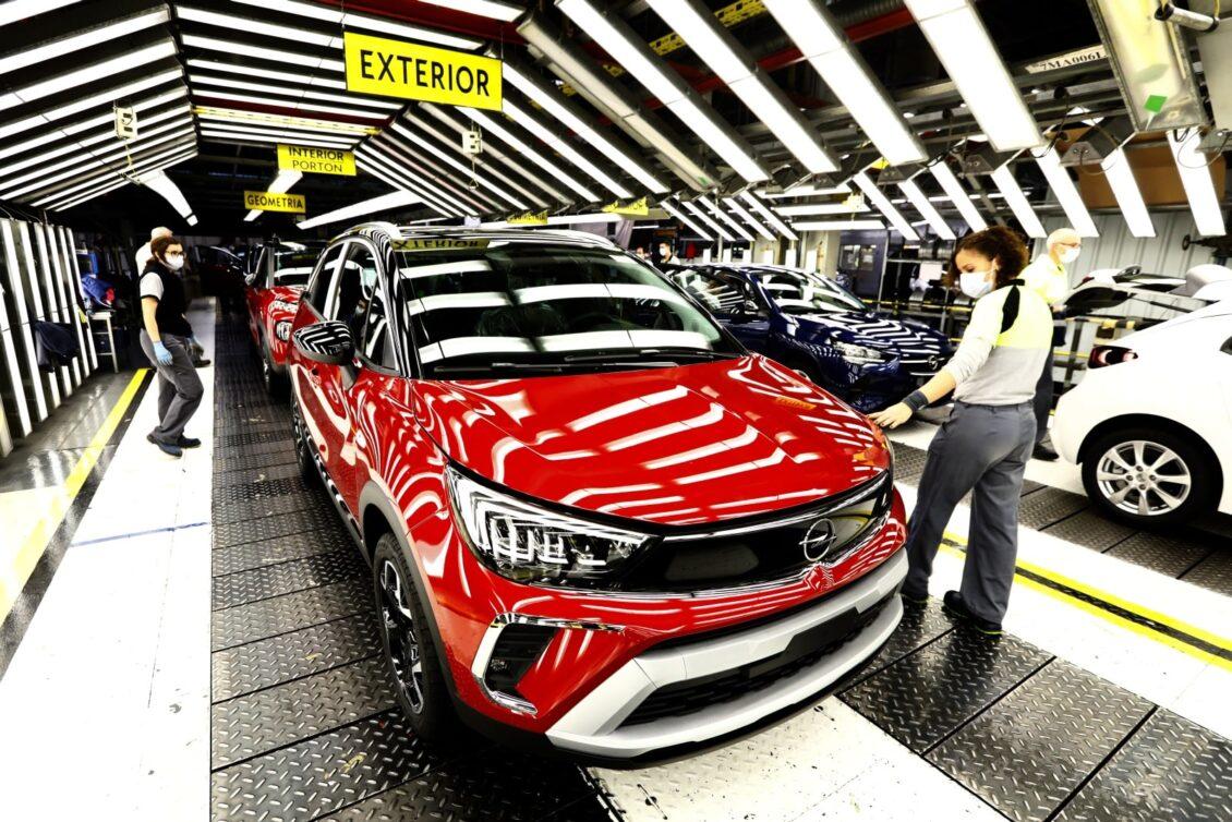 Opel España envía los primeros Crossland 2021 a Chile
