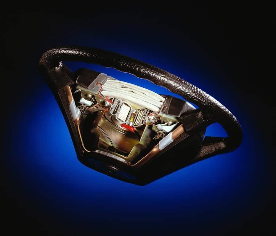 ¿Sabes lo que significan las siglas SRS en un Airbag?: más de 40 años de uso…