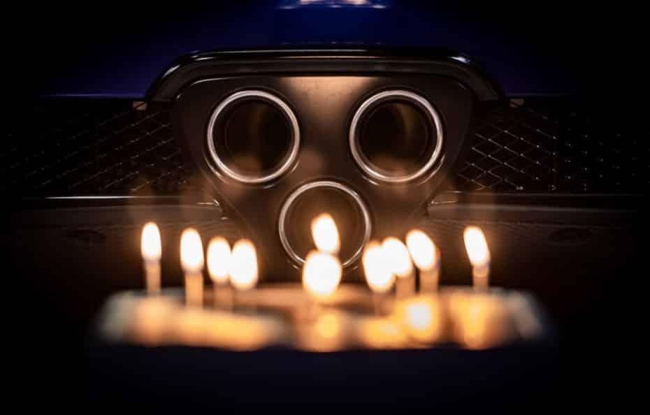 El Lexus LFA cumple 10 años pero sigue luciendo simplemente espectacular