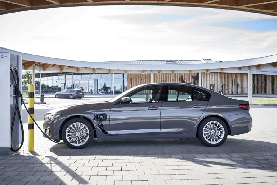 ¡Oficial! BMW 320e y 520e 2021: Las versiones PHEV de acceso llegarán en unos meses