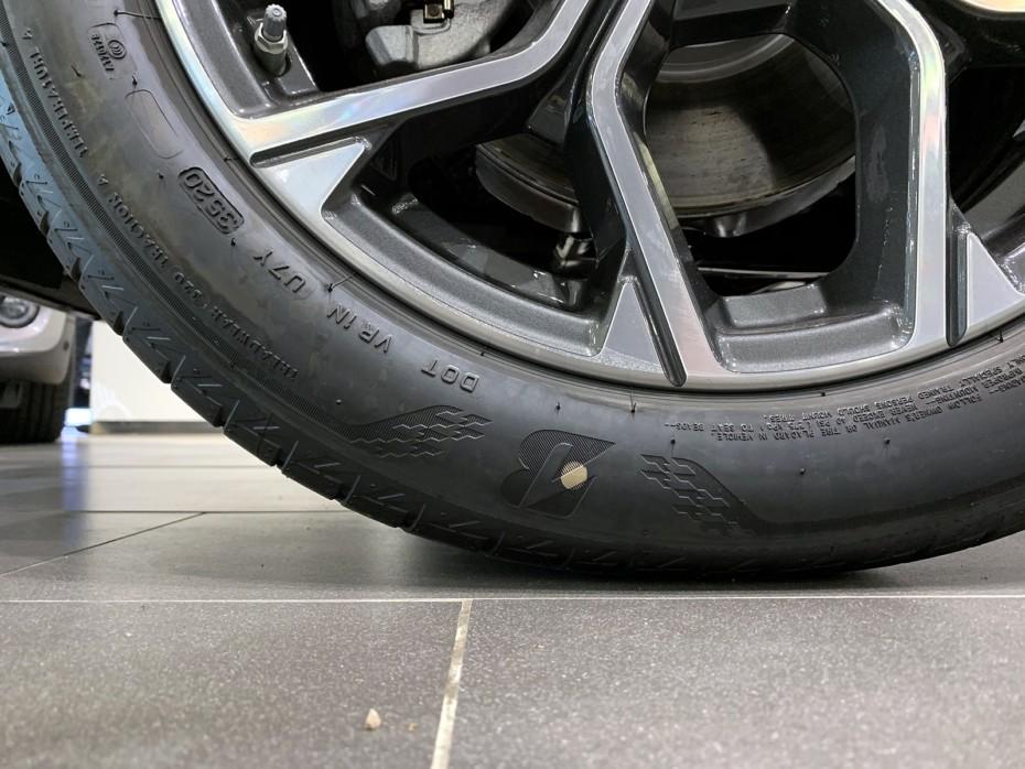 Seguramente hayas visto este punto en tus neumáticos: ¿Sabes para qué sirve?