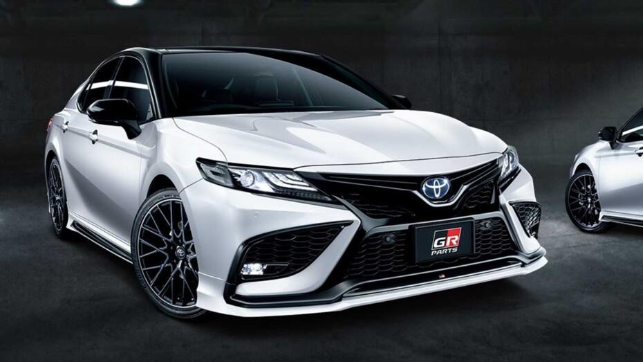 Y tú que buscas en el Toyota Camry: ¿Más deportividad o más elegancia?