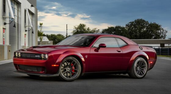 The Dodge Challenger arrives in Spain: Fall in love with its 797 CV