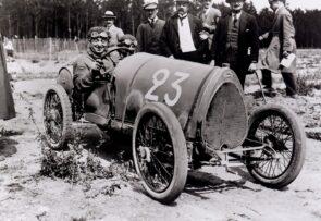 """El Bugatti Type 13 """"Brescia"""" cumple 100 años: un peso pluma matagigantes"""