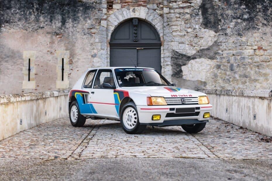 Este Peugeot 205 Turbo 16 es un 'rara avis' cuyo precio supera al de muchos superdeportivos