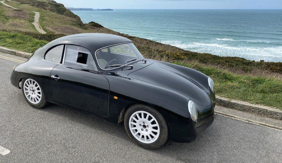 No es un Porsche 356a de 1955, es un coche eléctrico de 2021 diseñado desde cero