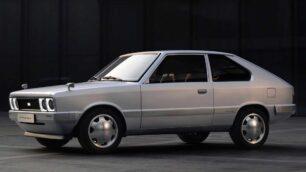 Hyundai revive el mítico Pony de los '70 con una mecánica completamente eléctrica