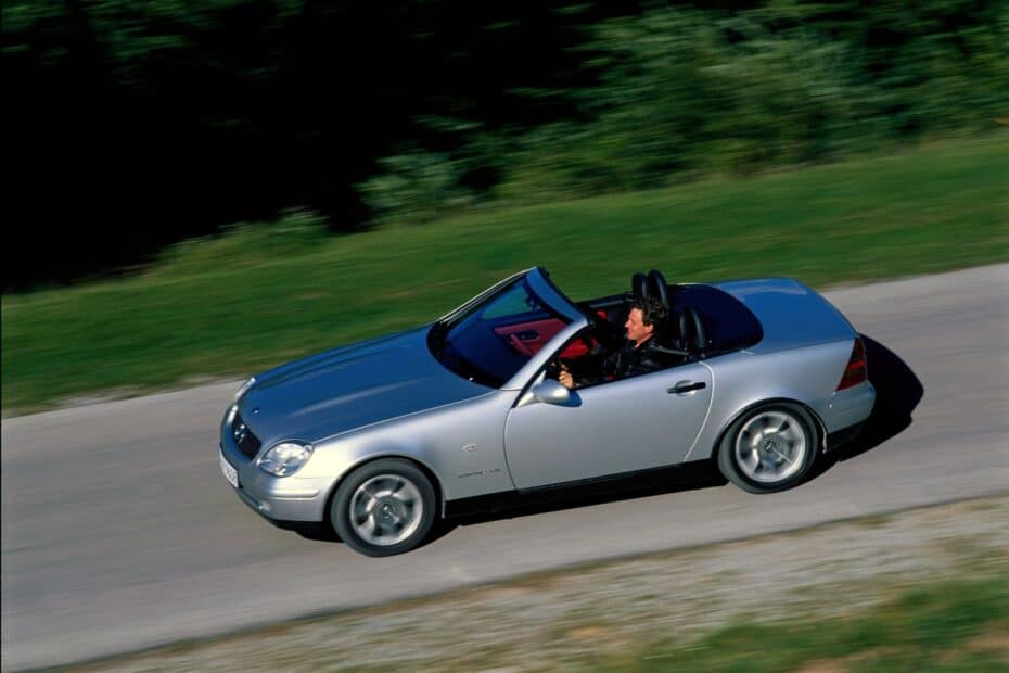 El Mercedes-Benz SLK R170 cumple 25 años y sigue siendo una genialidad
