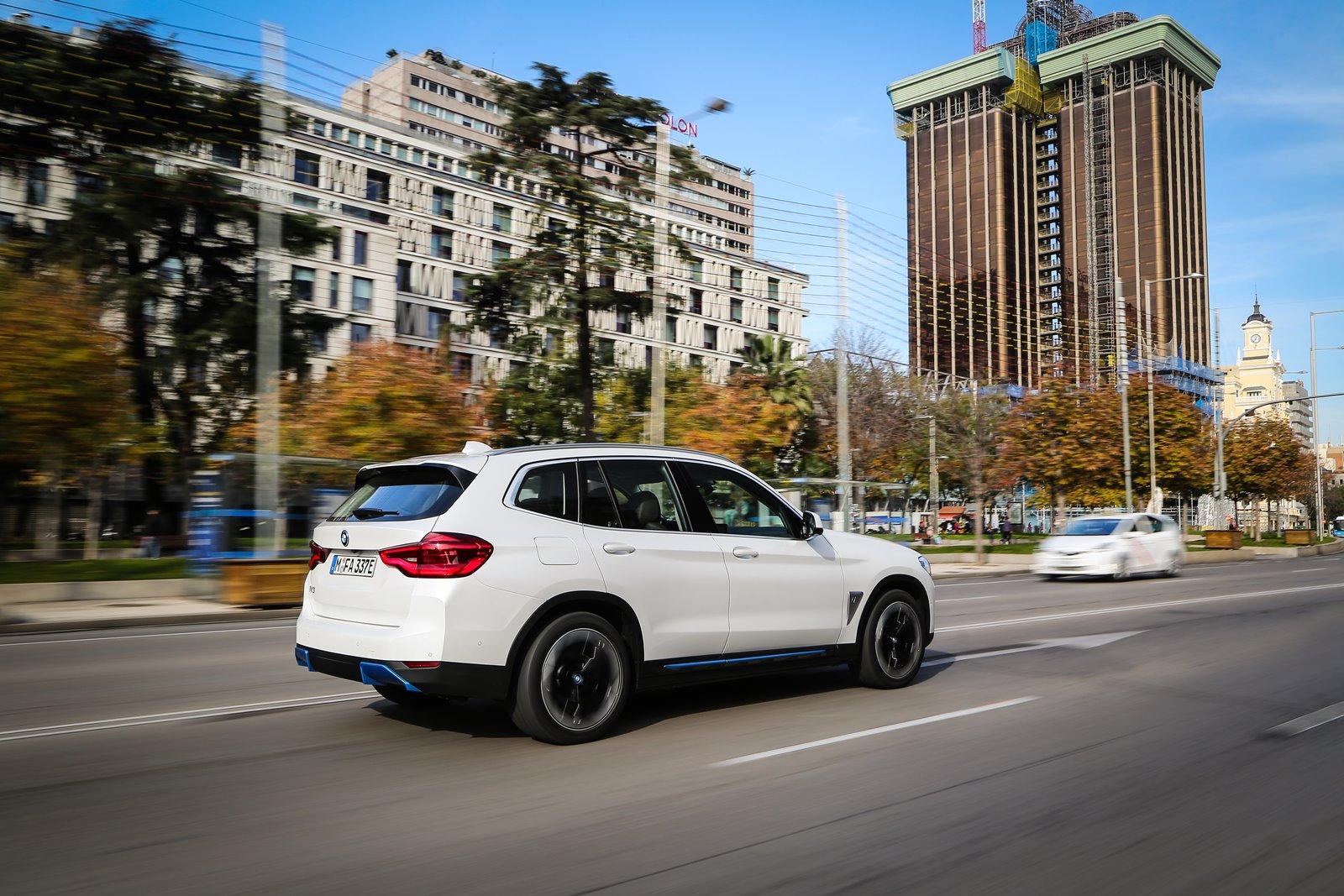 Llamadas a revisión BMW iX3