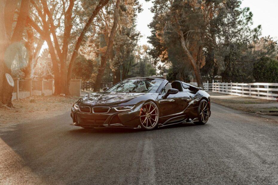 Si buscas un BMW i8 Roadster este salvaje Carbon Edition podría ser tu última oportunidad