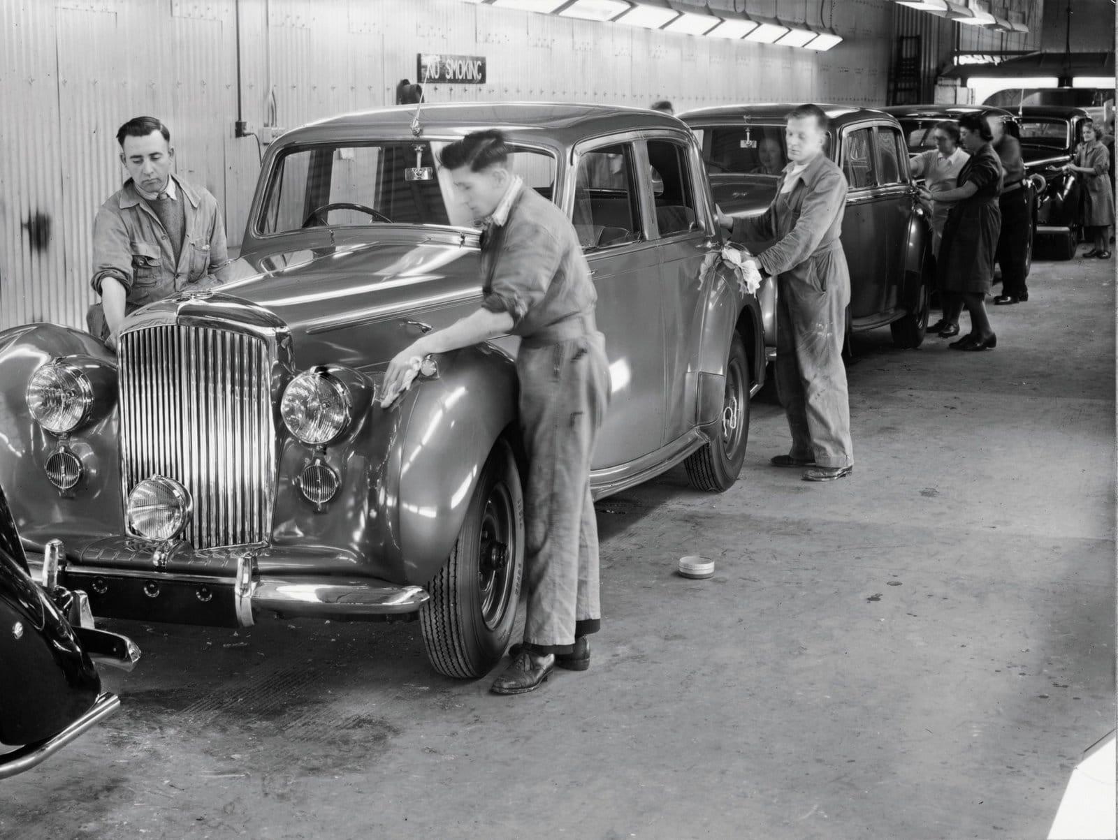 Inicios fábrica de Bentley
