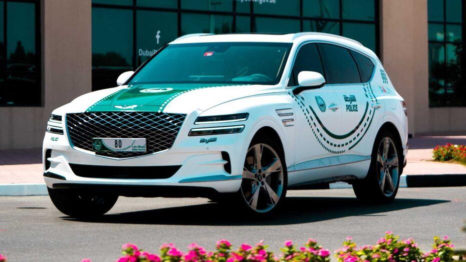 Un Genesis GV80 para la policía de Dubái: compartirá protagonismo con deportivos de élite