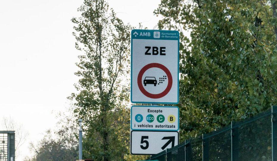 ¿Qué coches pueden entrar en Barcelona? Los detalles de la Zona de Bajas Emisiones