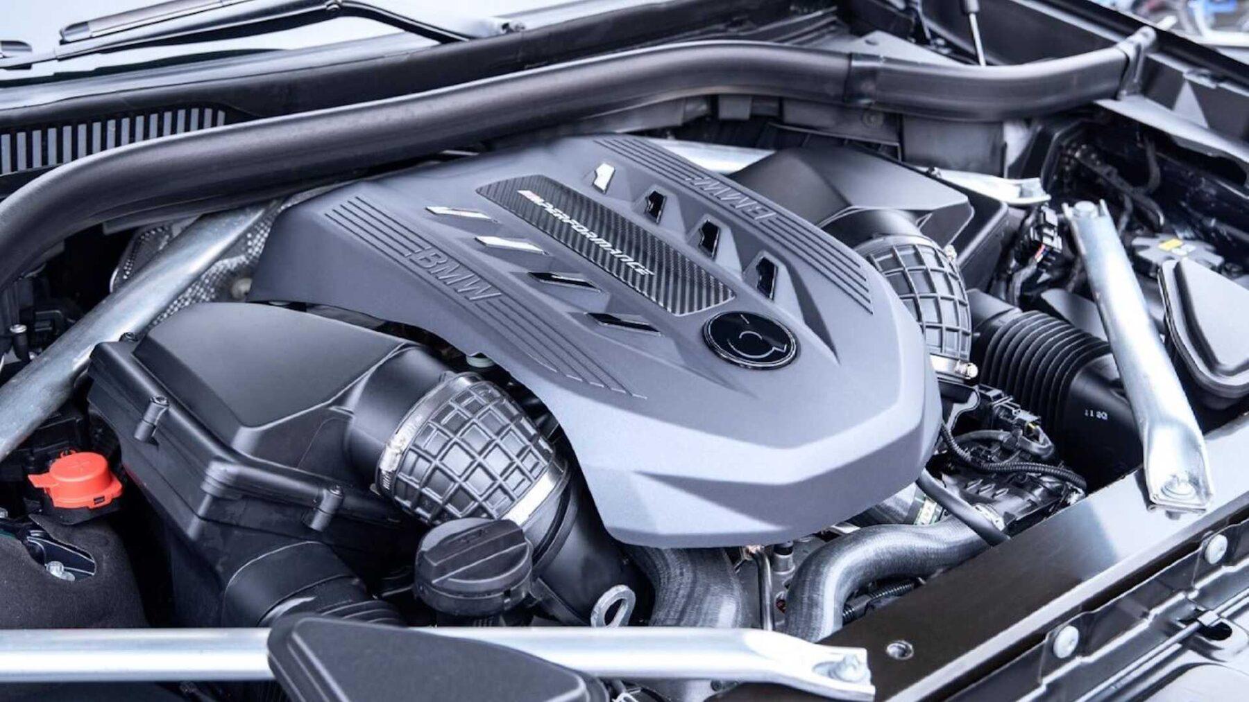 Hasta 646 CV para el BMW X7 Dark Shadow Edition de Dähler