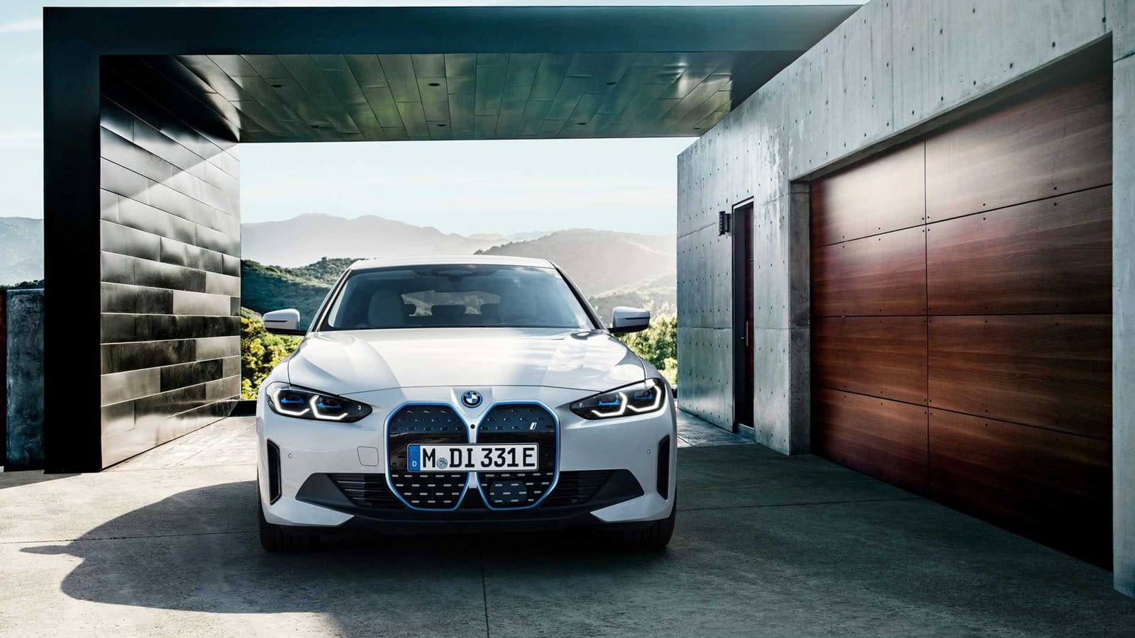Frontal BMW i4