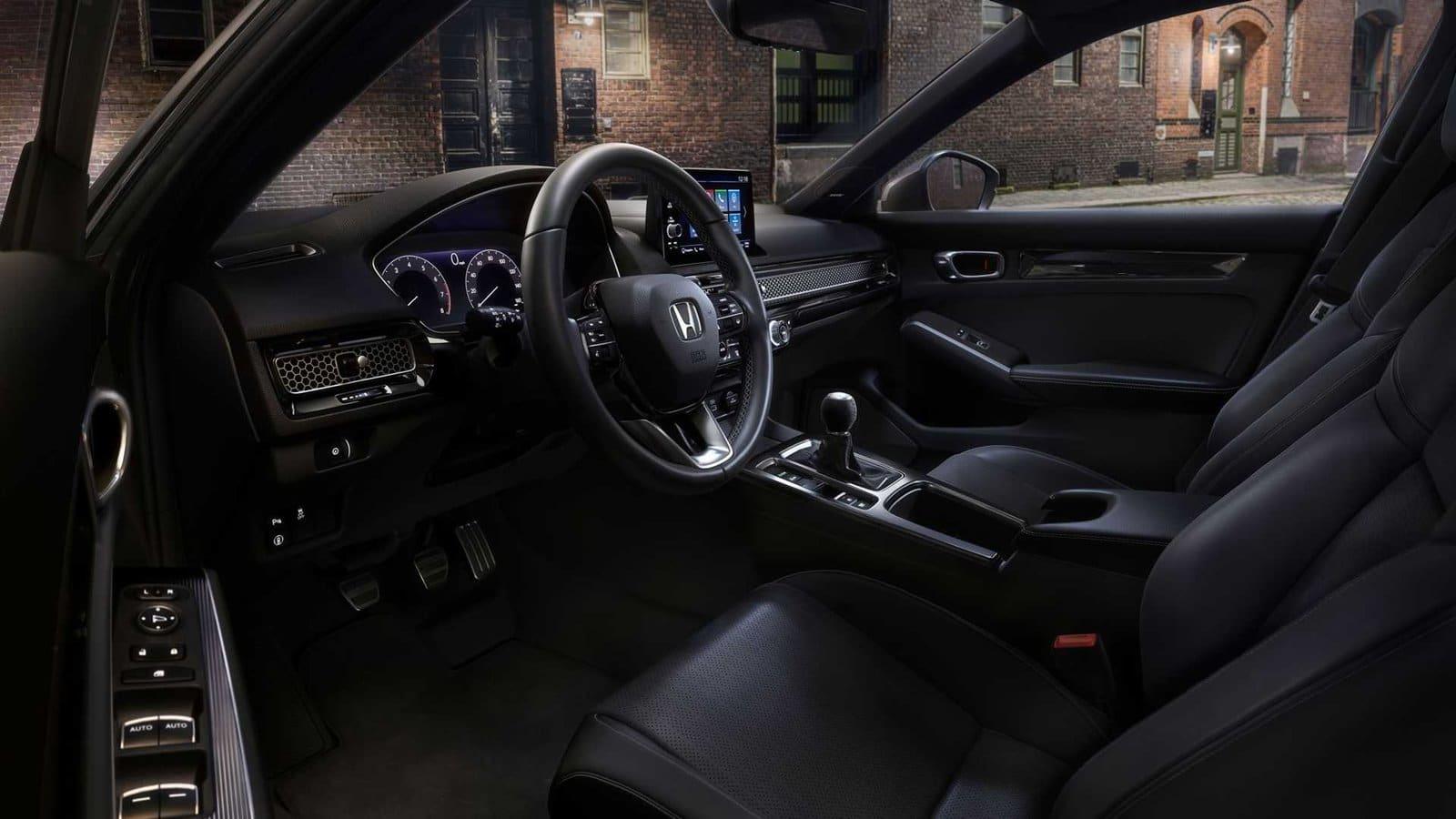 INterior del Honda Civichatchback 2022
