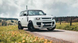 Con la apuesta de Startech para el Land Rover Defender no pasarás desapercibido...
