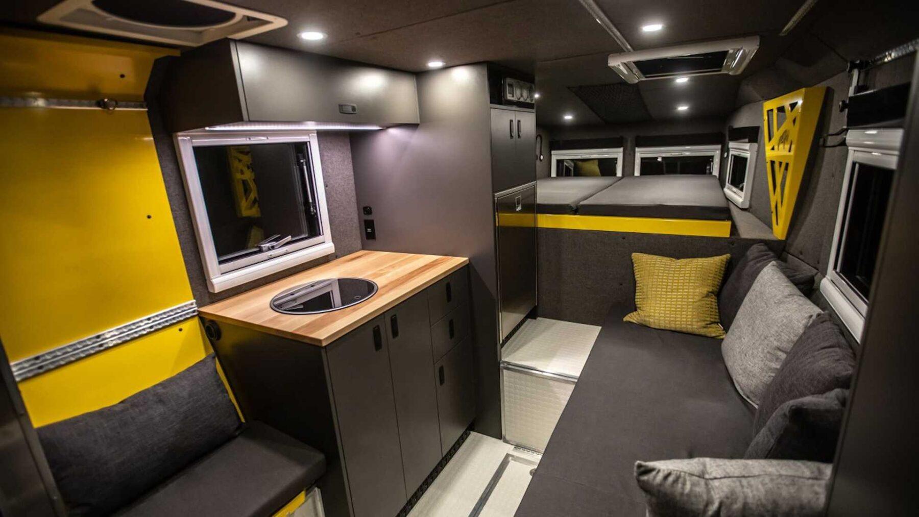 El Loki Basecamp Falcon Series ofrece un acogedor apartamento móvil