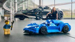 El Ya puedes hacerte con el McLaren Elva de LEGO Speed Champions ya está disponible