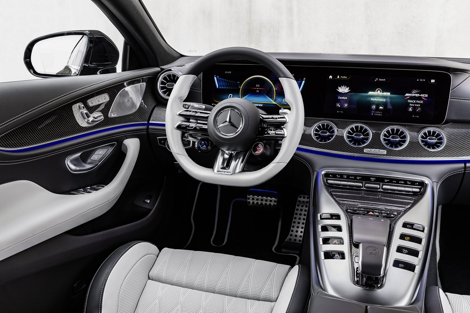 Interior Mercedes-AMG GT de cuatro puertas