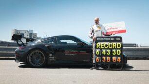 El Porsche 911 GT2 RS de Manthey conquista Nürburgring