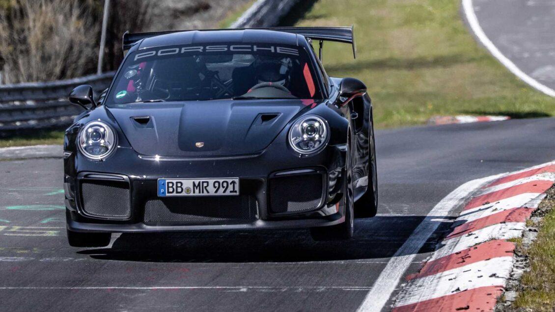 El Porsche 911 GT2 RS reconquista Nürburgring: dos récords para la marca en una semana
