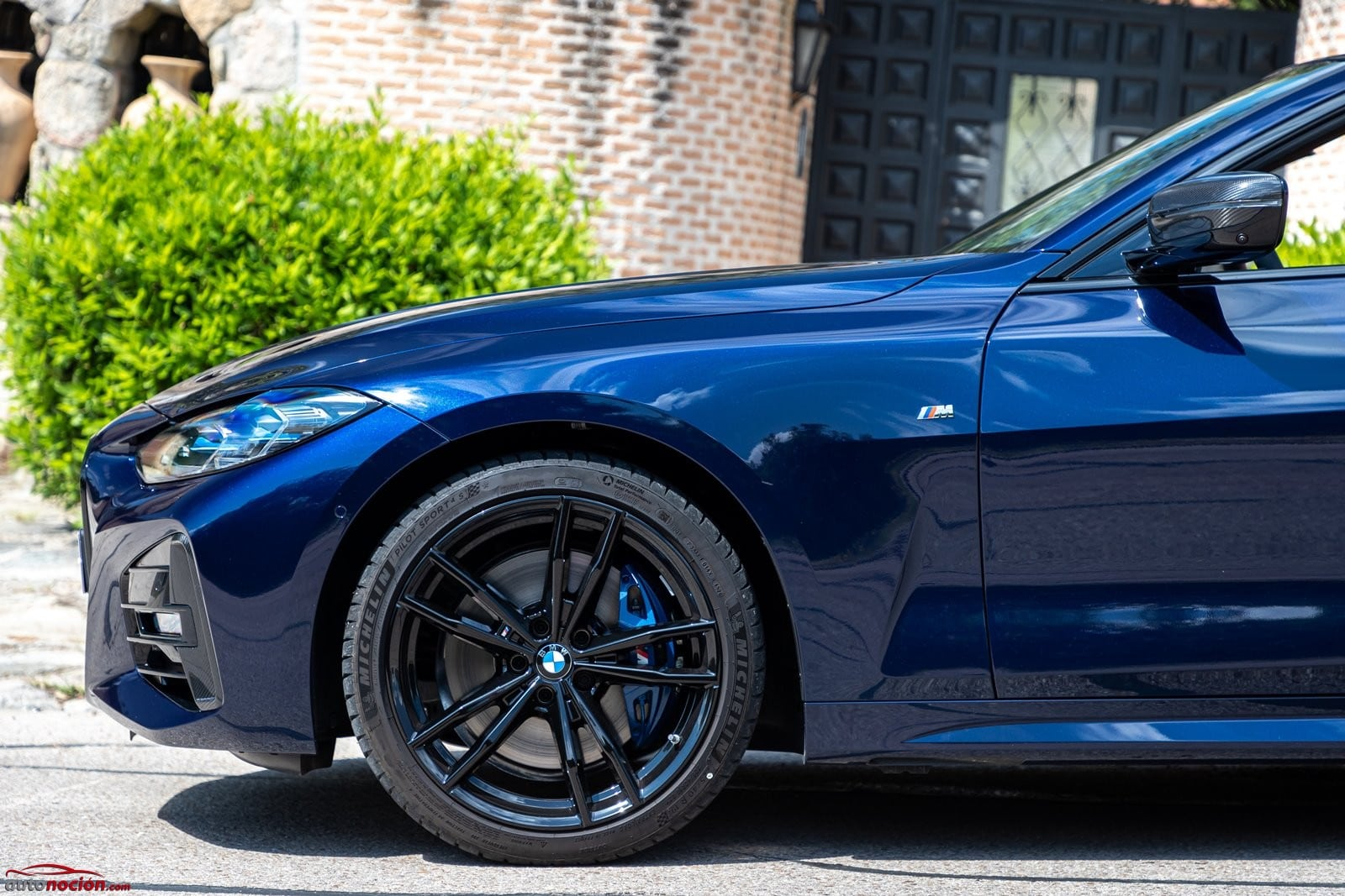 Los frenos M son opcionales en el BMW 430i Cabrio