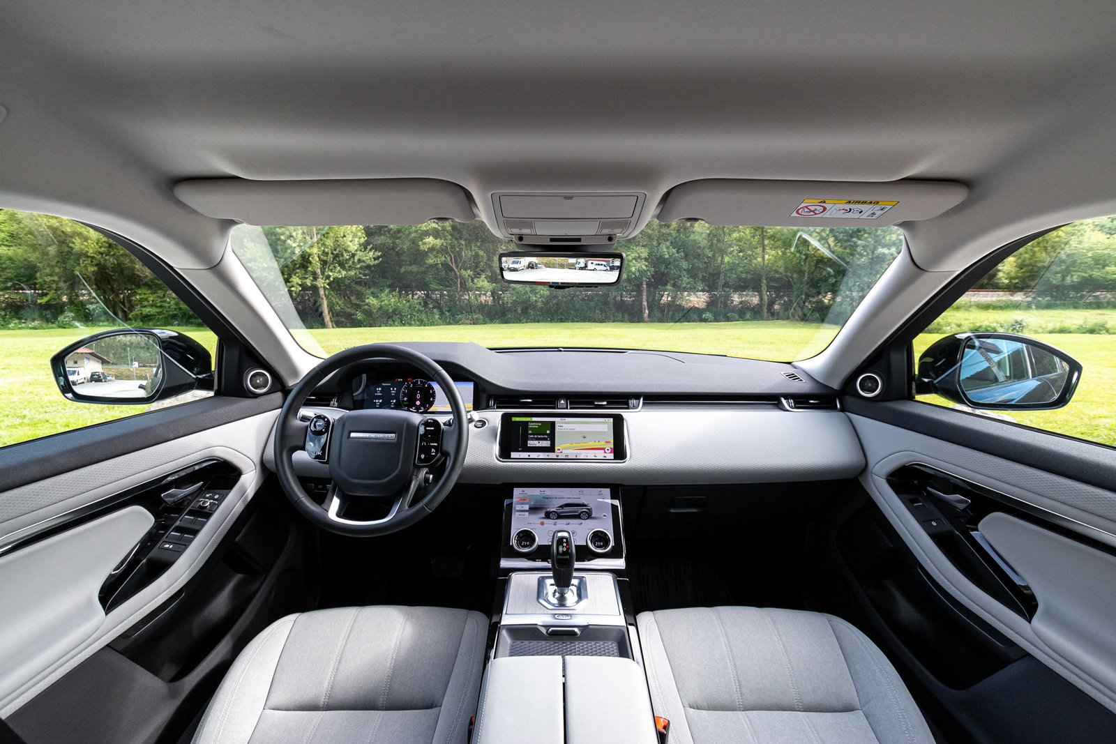 Interior Land Rover Range Rover Evoque P300e