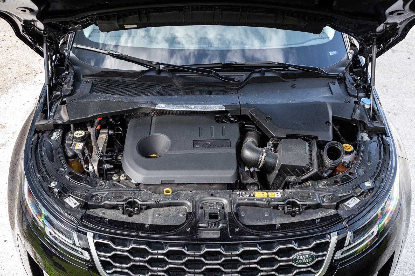 Motor Land Rover Range Rover Evoque P300e