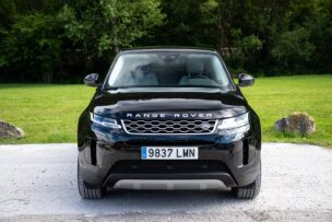 Frontal Land Rover Range Rover Evoque P300e