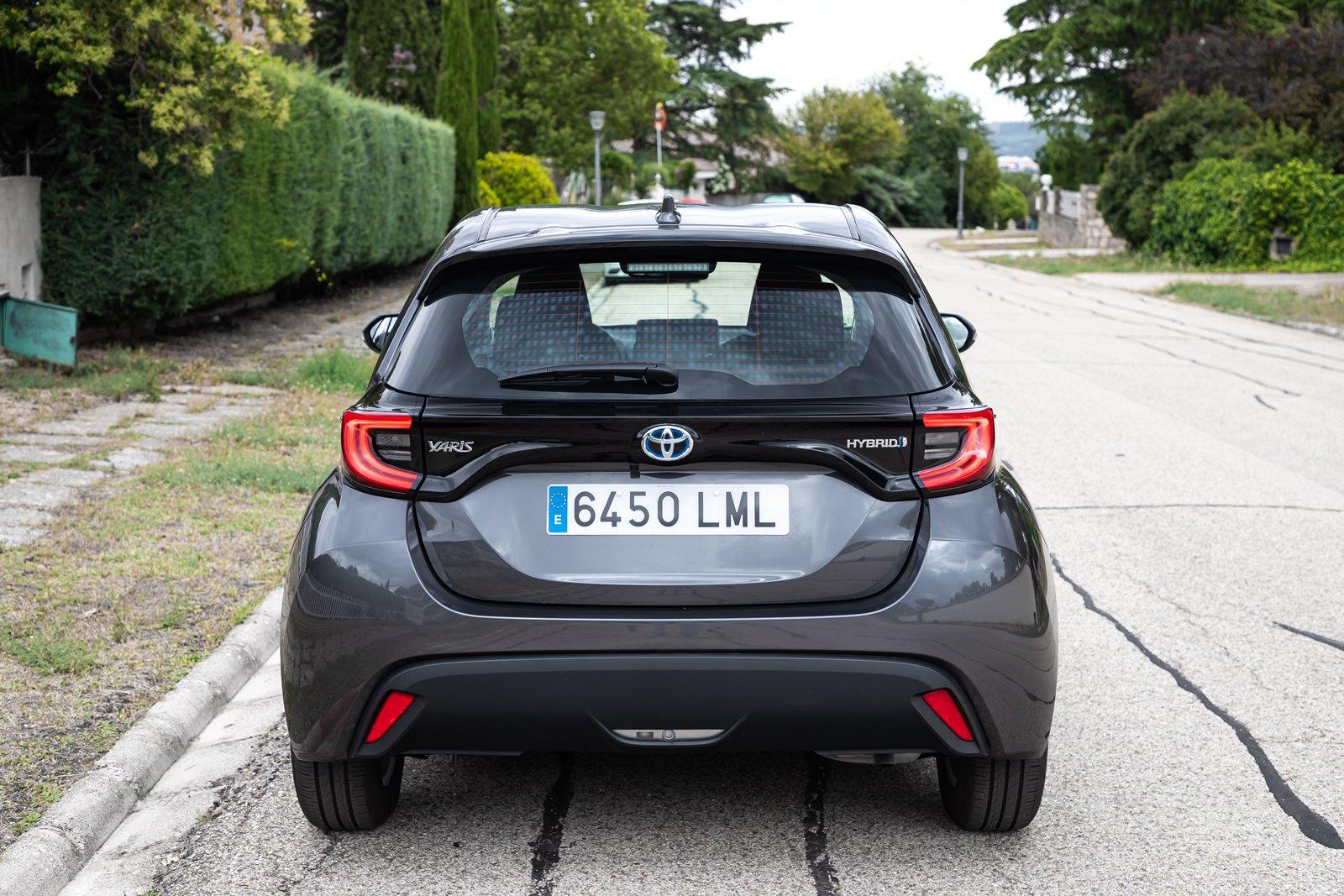 Vista trasera Toyota Yaris Hybrid