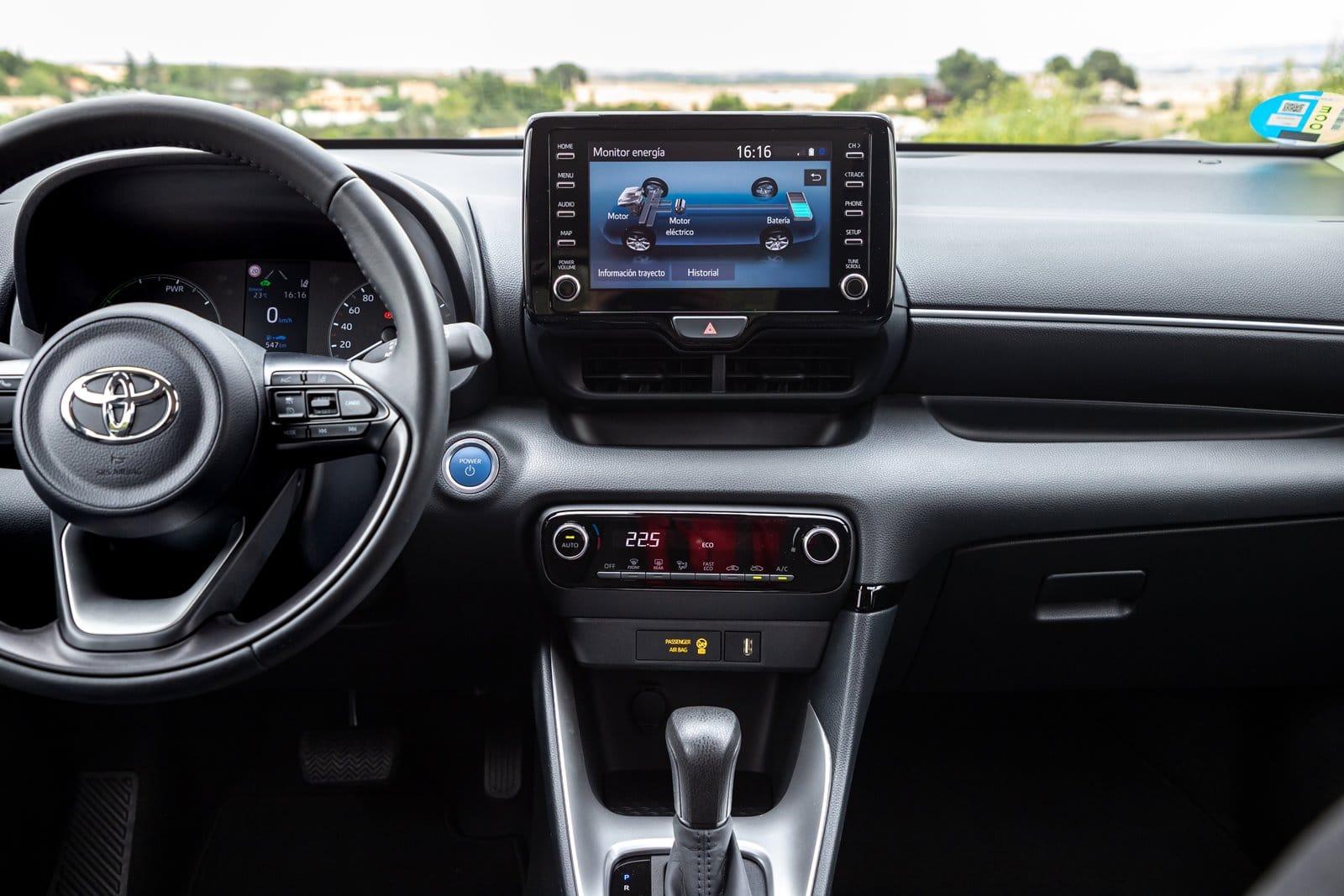 Salpicadero Toyota Yaris Hybrid