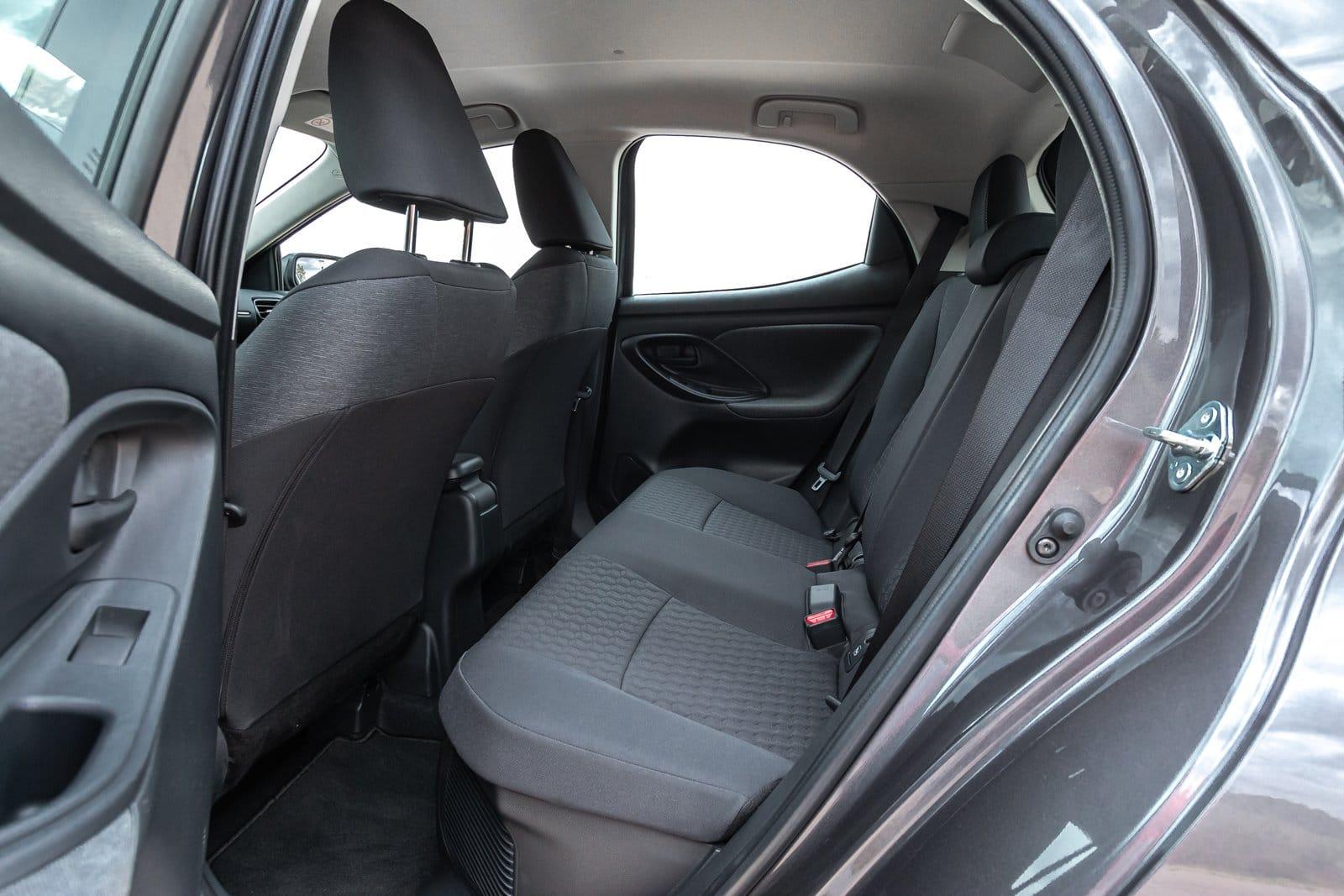Plazas traseras Toyota Yaris Hybrid