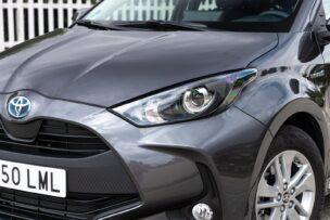 Raros delanteros Toyota Yaris Hybrid