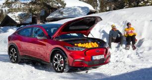 El Ford Mustang Mach-e líder en Noruega con 898 unidades: El Tesla Model 3 solo 4 unidades
