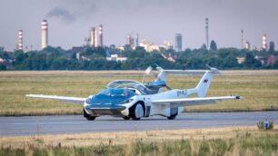El AirCar de Klein Vision equipa un motor de BMW y acumula más de 40 horas de vuelo