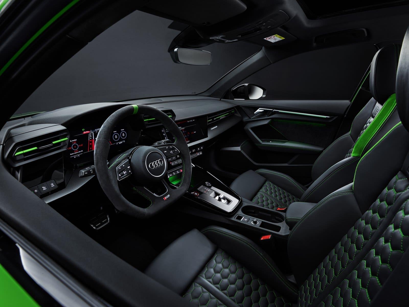 nuevo Audi RS 3 interior verde