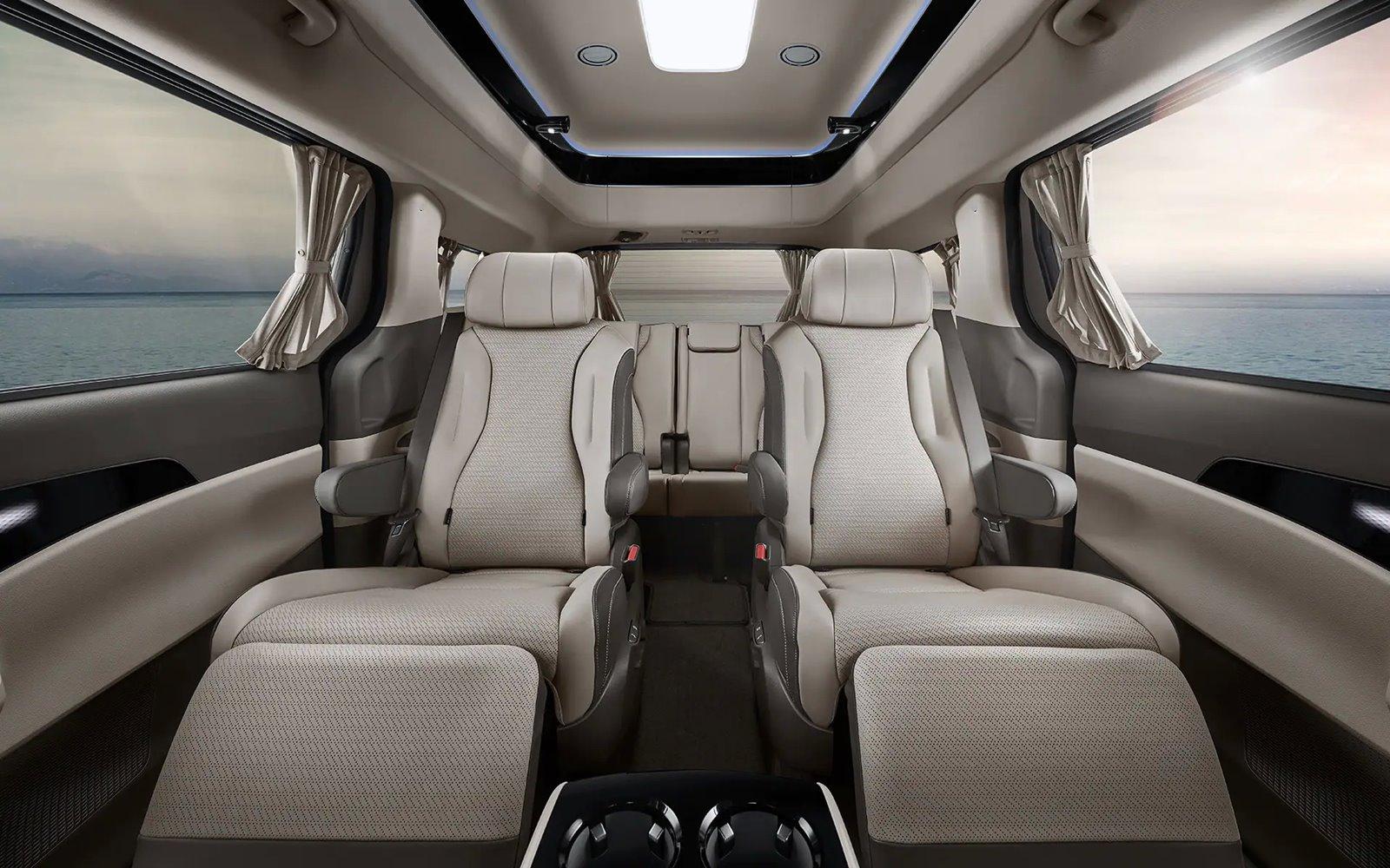 Kia Carnival Hi Limousine asientos traseros