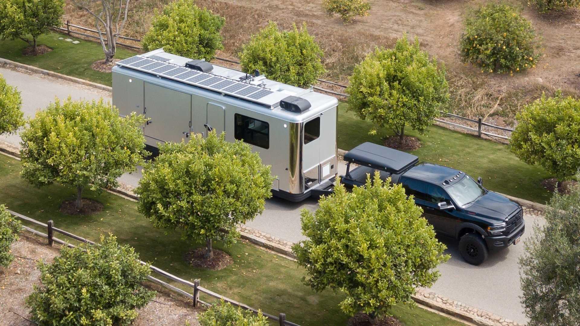 EL Living Vehicle Pro-EV tiene un lujoso equipamiento