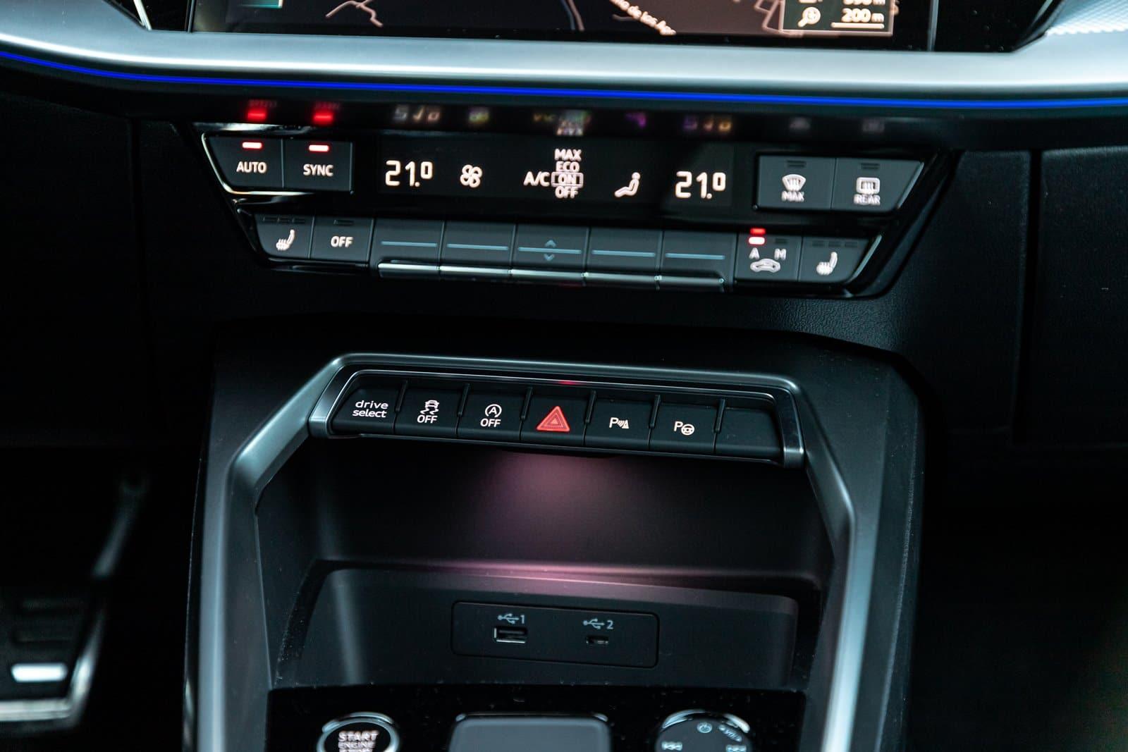 Detalle interior Audi S3 Sportback