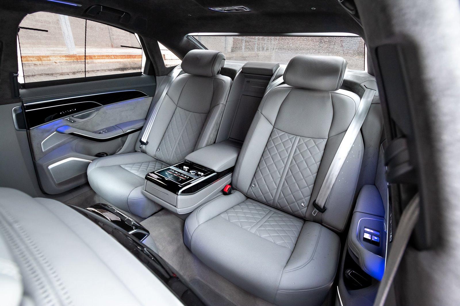 Plazas traseras Audi S8